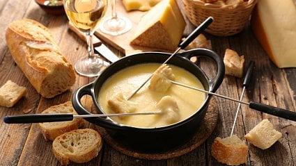 Vitalia.cz: Pro fondue se hodí celá řada sýrů