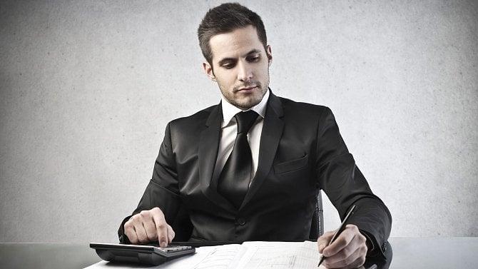 Stahujte interaktivní formuláře daňového přiznání, které spočítají daně za vás