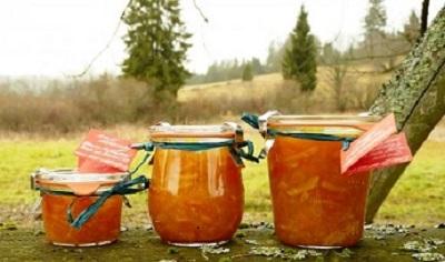 Blanka Milfaitová vaří dýňovou marmeládu