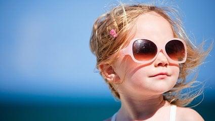 Vitalia.cz: Velký test dětských slunečních brýlí