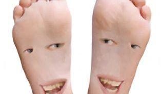 Zvětšují se lidem nohy?