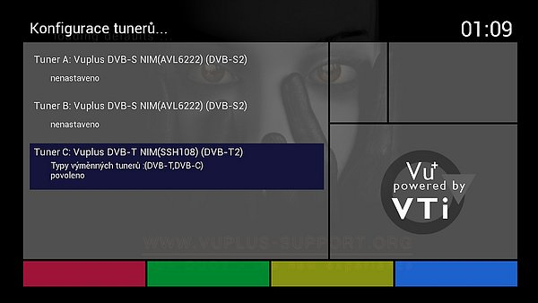 Screenshot z menu přijímače Vu+ DUO2, kde je vidět jak se tuner DVB-T/T2 / DVB-C sám instaloval.