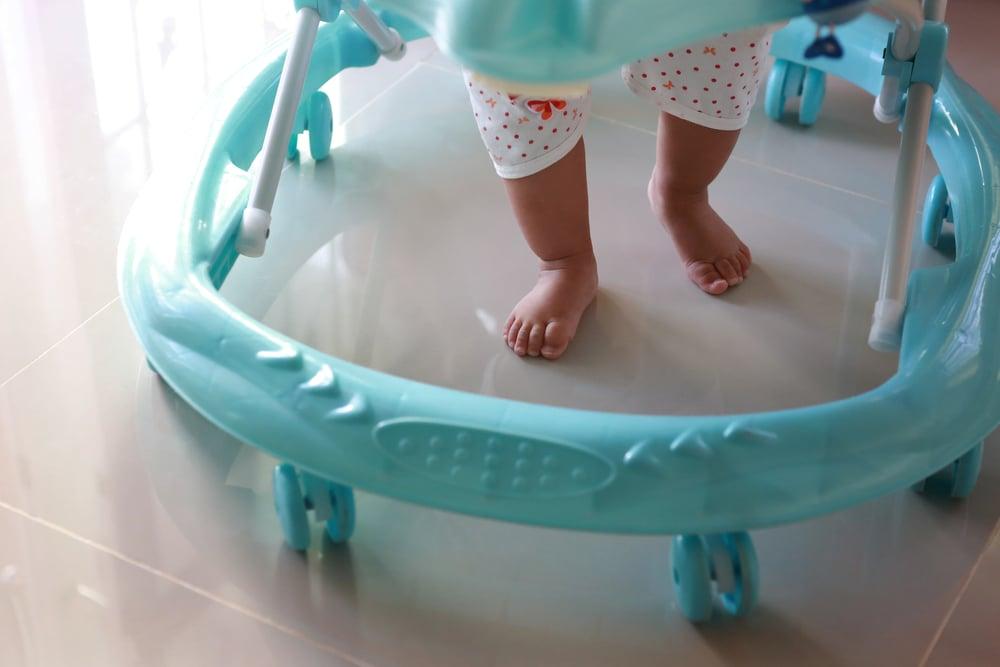Chodítka, hopsadla, skákadla: pro děti zcela nevhodné