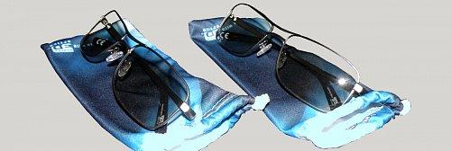 K televizorům 3D jsou dodávány i elegantní brýle v antistatických sáčcích v několika provedeních.