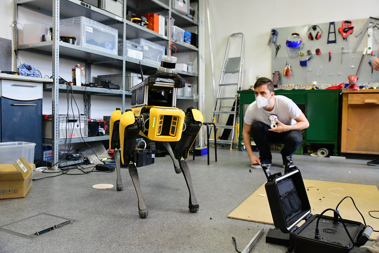 Spot od Boston Dynamics na Fakultě elektrotechnické ČVUT