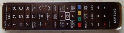 """""""Dálka"""" je vysloveně z vyšší třídy a používá se i pro 3D televizory. Tlačítko on(off vlevo nahoře pak dokonce zapíná podsvícení tlačítek!"""