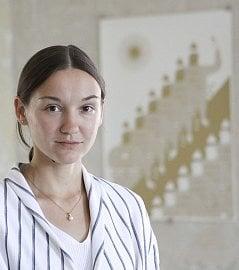 Maria Makeeva, ilustrátorka, autorka designu nových debetních karet Raiffeisenbank (04/2017)