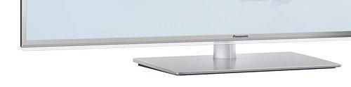 Detail podstavce a tenounkého devíti milimetrového hliníkového rámečku s průhlednou obrubou, které obrazovce (obrazu) poskytují vzdušnost a lehkost.