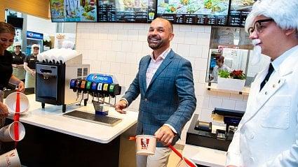 Vitalia.cz: KFC otevřeno 100. pobočku v ČR a troufá si na McDonald's