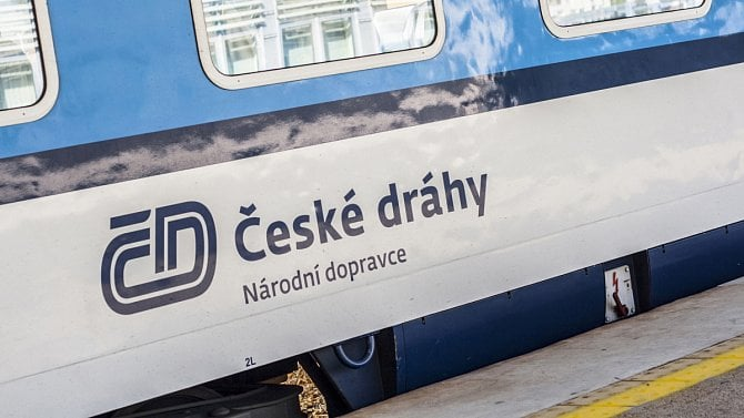 [aktualita] České dráhy chystají nasazení vagónů s okny, která lépe propouštějí mobilní signál