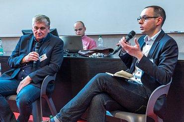 Honza Klesla (vpravo) zpovídá Petra Slováčka
