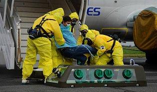 Co čeká člověka spodezřením na ebolu
