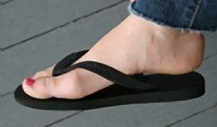 Oblíbené baleríny a žabky vám spolehlivě zničí nohy
