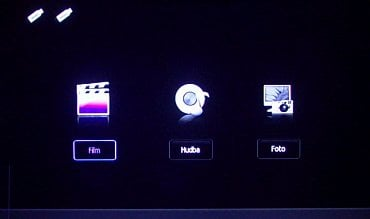 Úvodní obrazovka pro přehrávání multimédií z USB.