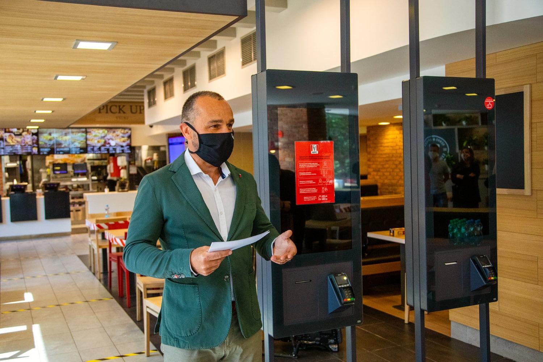 Přípravy na otevření restaurací KFC