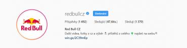 Red Bull CZ využívá emotikony a odkaz má ze zkracovače.