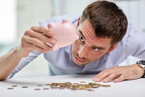 Od kdy máte nárok na zvýšenou náhradu mzdy a nemocenské dávky?