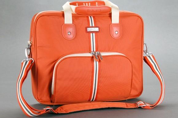 Taška na notebook od firmy Oxio, model Retrostriper LTB-1041