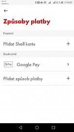 Prostředí mobilní aplikace Shell SmartPay. Na stojanech čerpacích stanic Shell v ČR je možní zaplatit z mobilu přímo z auta, aplikace podporuje Apple Pay, Google Pay, karty Mastercard, Visa, PayPal a rovněž palivové karty Shell.