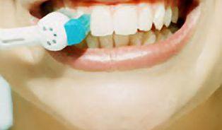S elektrickými zubními kartáčky to musíte umět