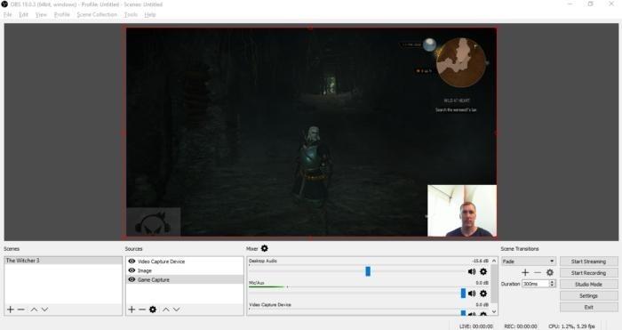 A je tu výsledek s oknem hry, webovou kamerou, mikrofonem a vodoznakem