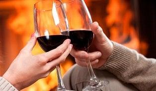 Vitalia.cz: Důvody, proč vzimě pijeme spíš červené víno