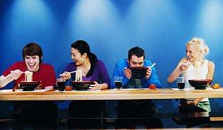 Mladí chtějí tříhodinový oběd