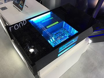 Server Huawei Atlas grafickými čipy Nvidia Tesla P100