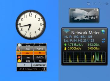 Miniaplikace lze umístit do postranního panelu nebo volně na plochu