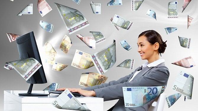 Digitální daň by přinesla do rozpočtu miliardy. Platit však může až za pár let