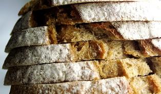 Kvalitu chleba poznamenává hon za nízkou cenou