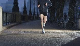 Aby běh neškodil: Kdy už je dost teplo na krátké kalhoty?