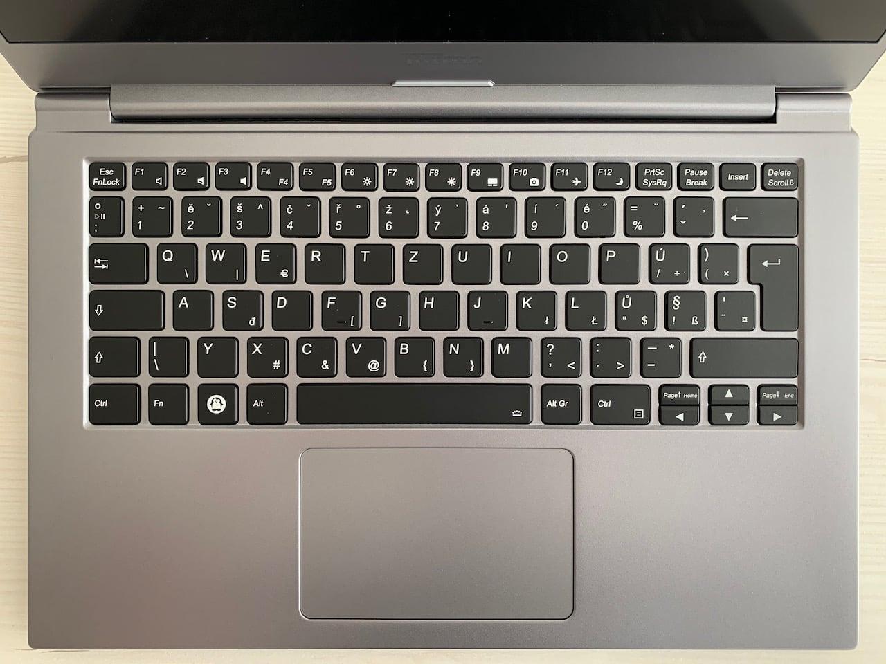 Tuxedo InfinityBook S14 v5
