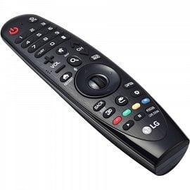 Tzv. Magic Remote má solidní rozložení, je pohybový a zabudován je i mikrofon. Ovládání nabízí i řadu vychytávek.