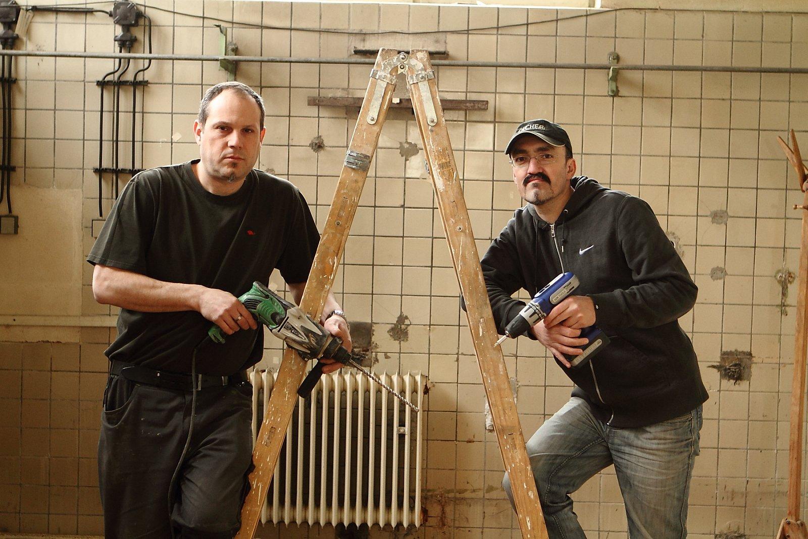 Služby hodinových manželů pomohly znovu oživit stavební firmu