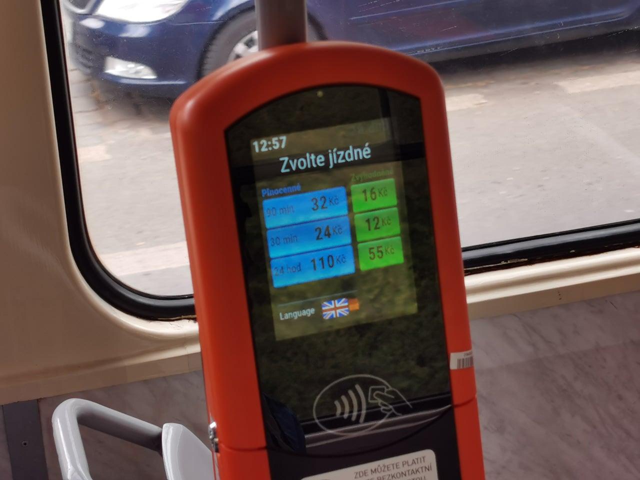 Bezkontaktní placení v pražské hromadné dopravě