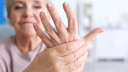 Vitalia.cz: Na artrózu na rukách kloubní výživa neplatí