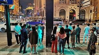 Lupa.cz: Čína zavádí přechody, které sledují chodce