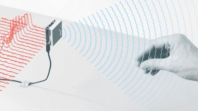 [aktualita] Google má zelenou k dalším testům ovládání pomocí radarového snímání gest prstů