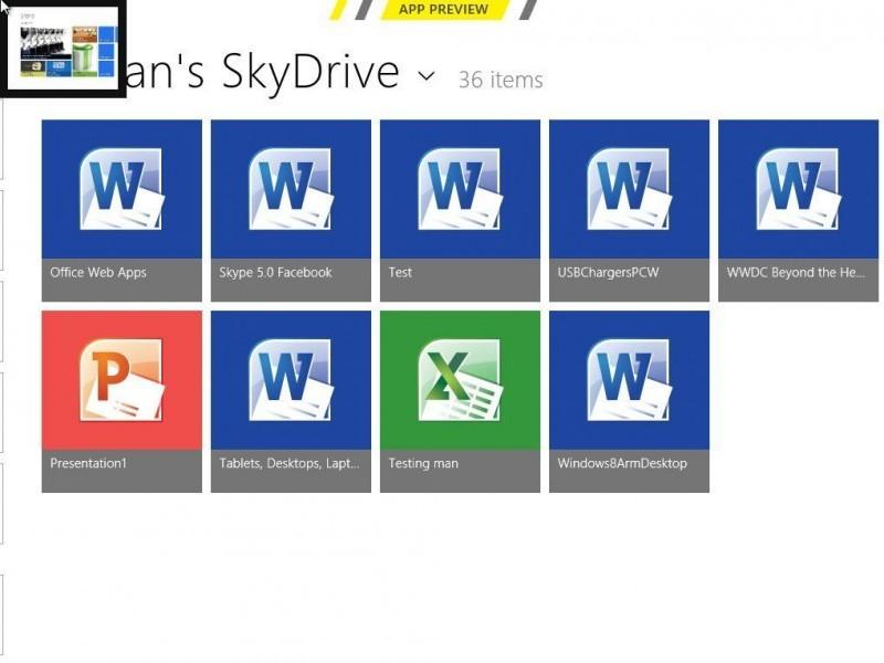 Když přejedete přes levý horní okraj obrazovky, dostanete se zpět k naposledy použité aplikaci