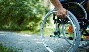 Vitalia.cz: Elektrický vozík pro lidi bez nohou? Omyl