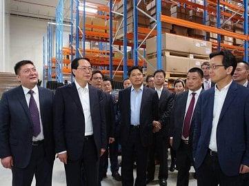 Che Jun, tajemník výboru komunistické strany Číny v provincii Zhejiang na návštěvě Huajie v Česku