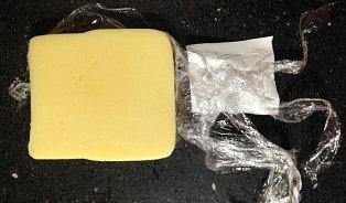Pultový prodej sýrů: Fůra obalů a nervů