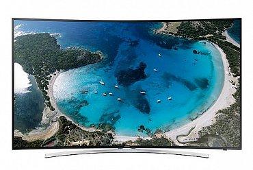 Samsung UE55H8000 (49.990 Kč) je LCD televizor s rozlišením Full HD a prohnutou obrazovkou. Takových v našem přehledu moc není. Vlastně jen dva a oba od této značky.