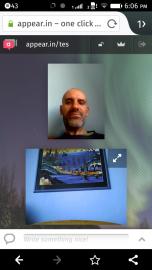 Rozhraní appear.in v prohlížeči se dvěma účastníky WebRTC videohovoru.
