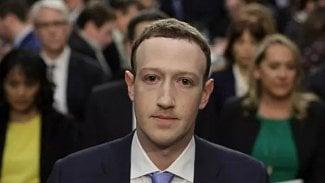 Mark Zuckerberg při výslechu