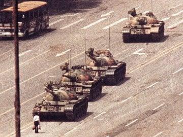 Muž, který se postavil tankům