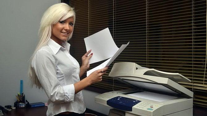 Může zaměstnavatel kopírovat rodné a oddací listy?