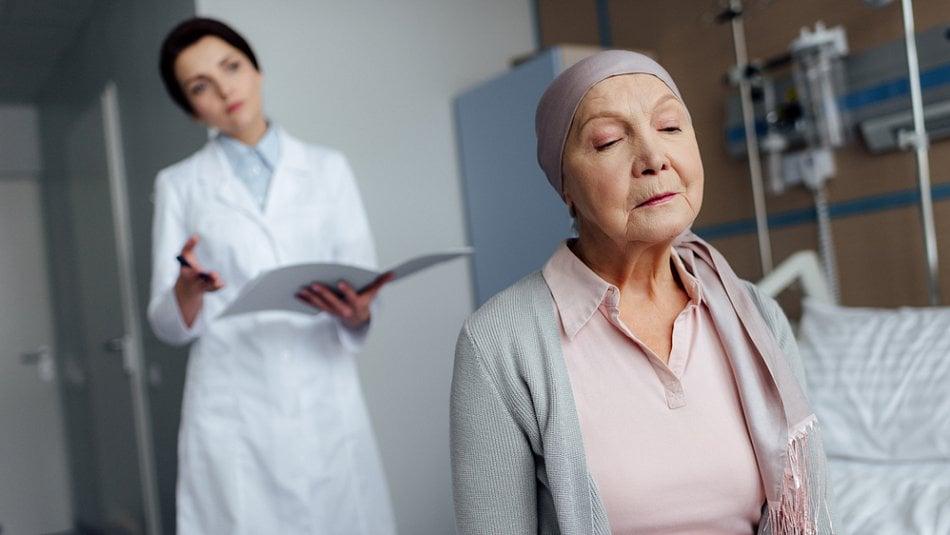 Pacient není obětí, protože rakovina není trestem. Co nemocnému běží hlavou?