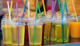 Prodejci čepovaných nápojů neuvádějí rizikové látky